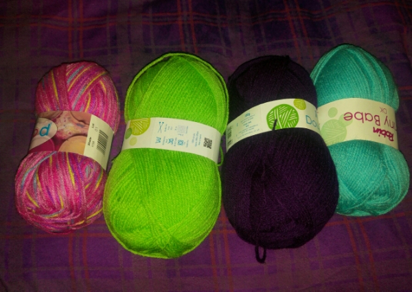 A relentless accident calls for wool shopping!